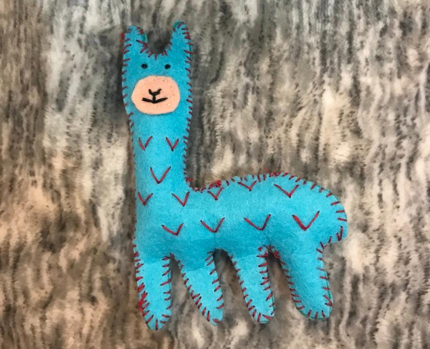 Make a felt llama toy / Haz un juguete de llama defieltro