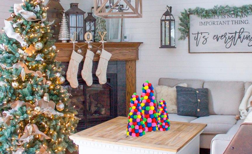 Make pom pom Christmas trees / Haz árboles de navidad depompones