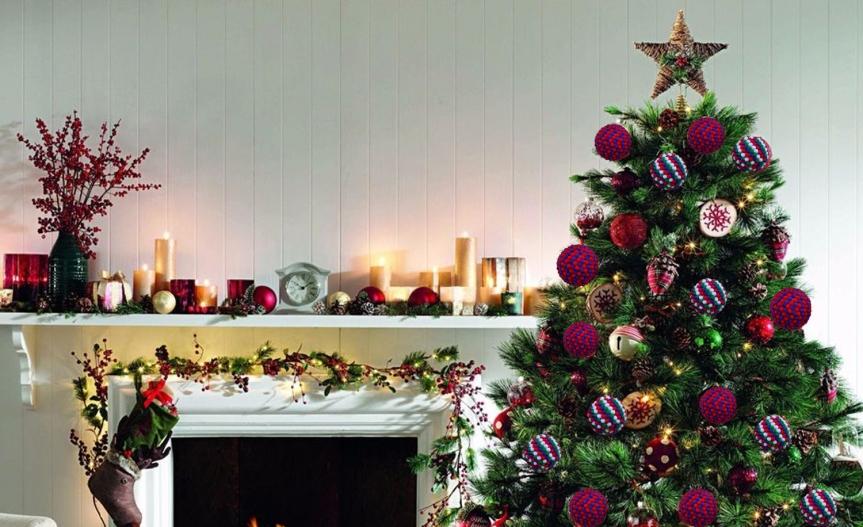 Christmas pom poms ball ornaments / Esferas navideñas depompones
